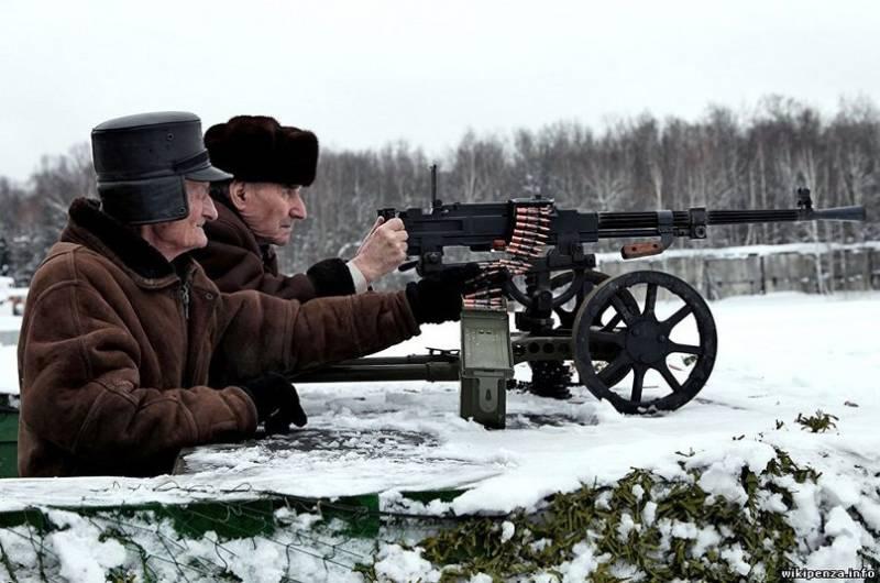 Руководство РФобсуждает три варианта— Повышение пенсионного возраста