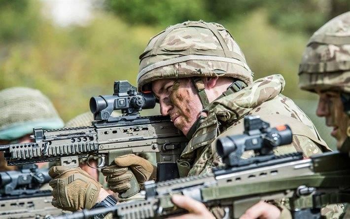 SA 80 Enfield L85A1 Fusil automatique - Automatic rifle . 1528495873_thumb2-british-soldiers-exercises-assault-rifle-l85a2