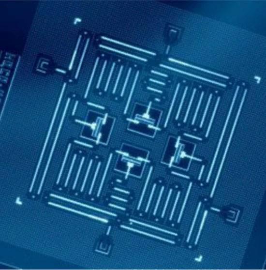 양자 컴퓨터 초안에 러시아 과학자들의 혁명적 제안