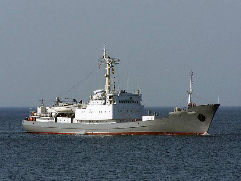 """Разведывательный корабль """"Кильдин"""" заступил на службу у берегов Сирии"""
