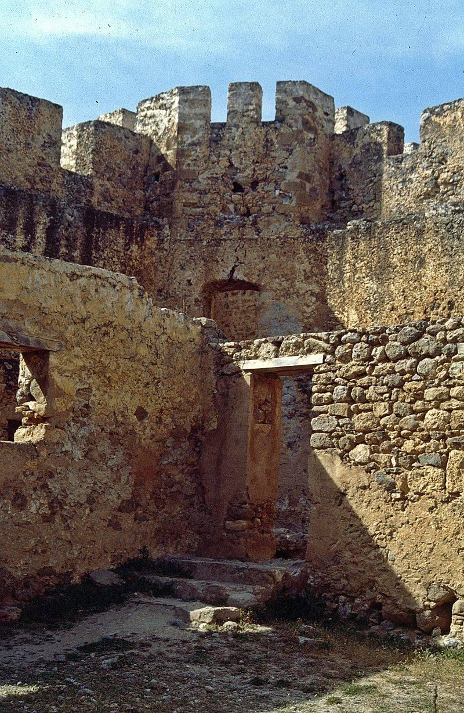 Франгокастелло. Обычный необычный замок на острове Крит