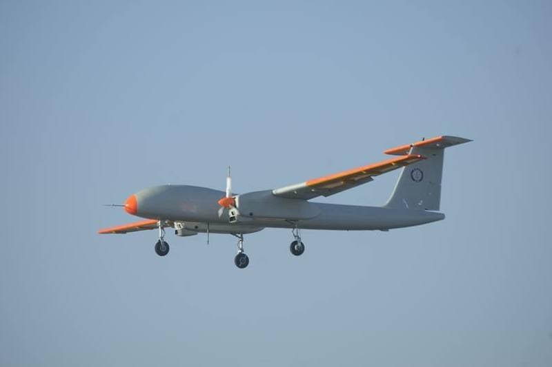 Полёт мысли над суетой амбиций. Беспилотники Индии