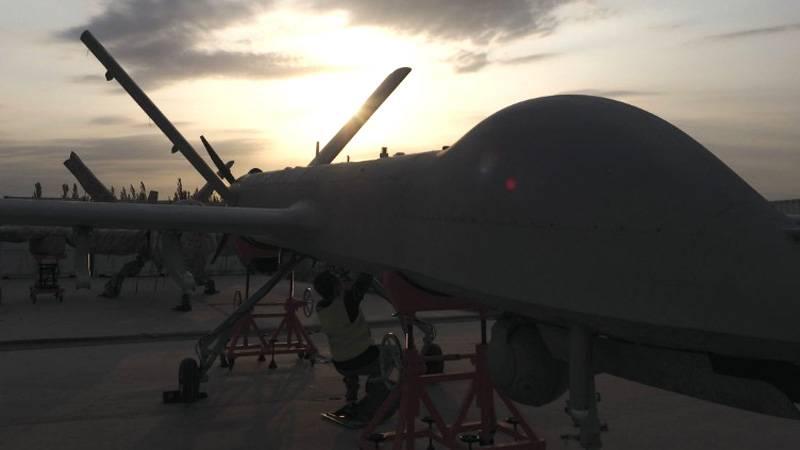 Полёт мысли над суетой амбиций. Беспилотники Китая