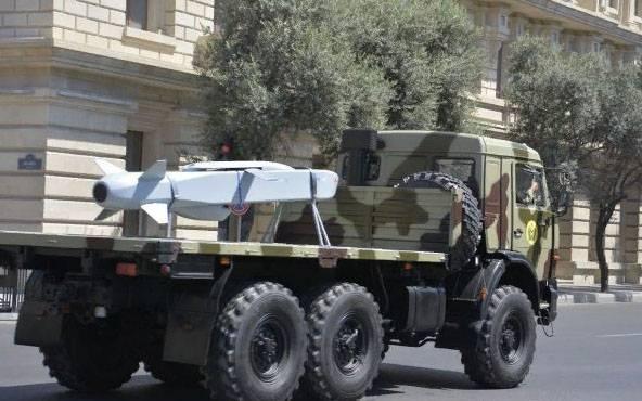 Τα μέσα ενημέρωσης του Αζερμπαϊτζάν «φωτίζουν» τους τουρκικούς πυραύλους κρουαζιέρας SOM