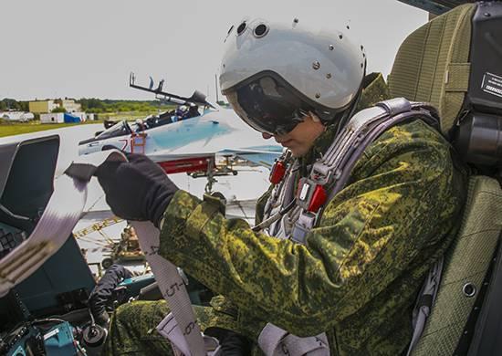 Российских пилотов переодевают в новые комбинезоны