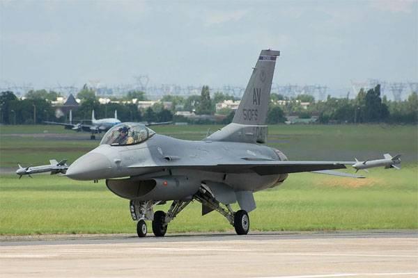 Зачем США ремонтируют старые советские аэродромы у границ России?