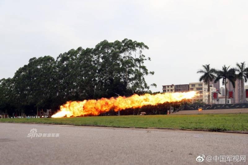 """Китайский ранцевый огнемёт """"Тим-74"""""""