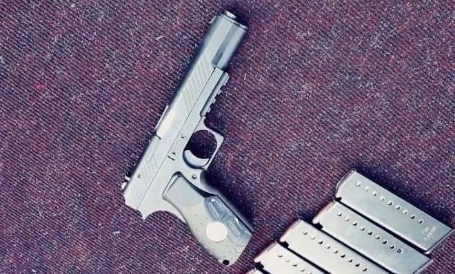 """Собственное оружие Донбасса. Двухкалиберный пистолет """"Оплот"""""""