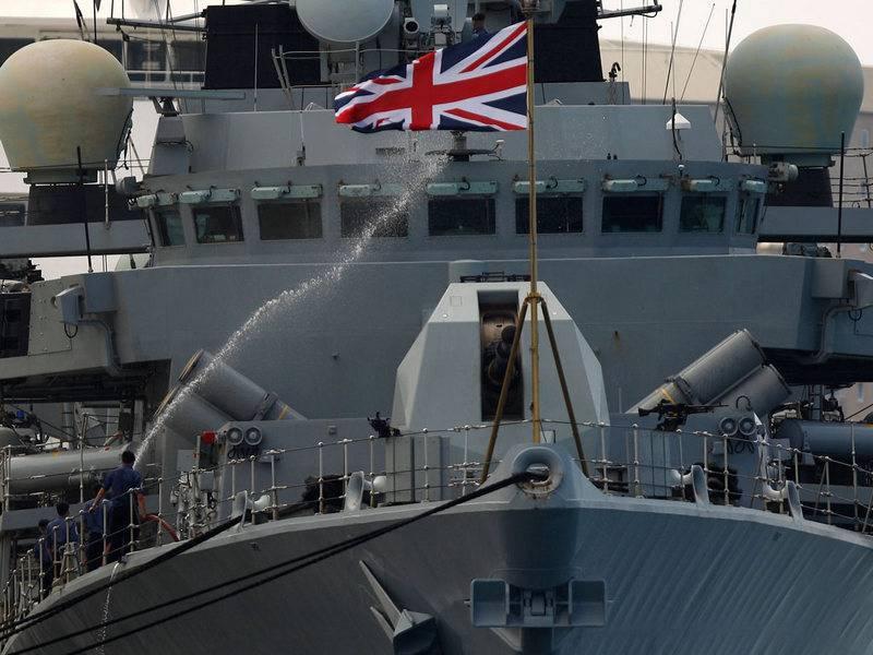 Λόγω του ρωσικού στόλου.  Η Βρετανία ανακοίνωσε την ενίσχυση της ομαδοποίησης στο Βόρειο Ατλαντικό