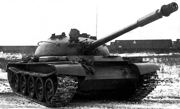 Stories about weapons. Tank T-62 outside and inside