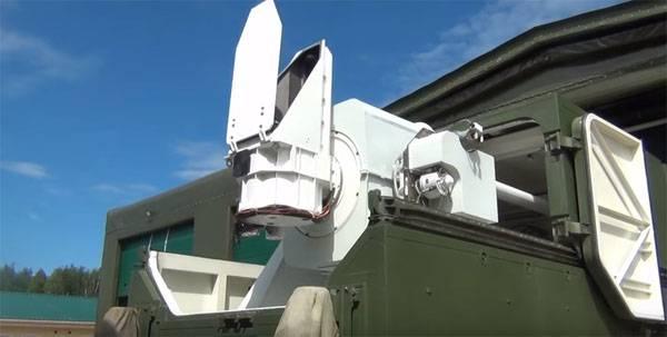 ロシア連邦の国防省からの新製品の新鮮なデモンストレーションの足跡