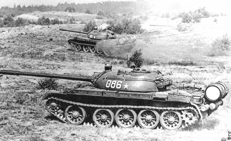 Обзоры танков. Танк Т-54 снаружи и внутри