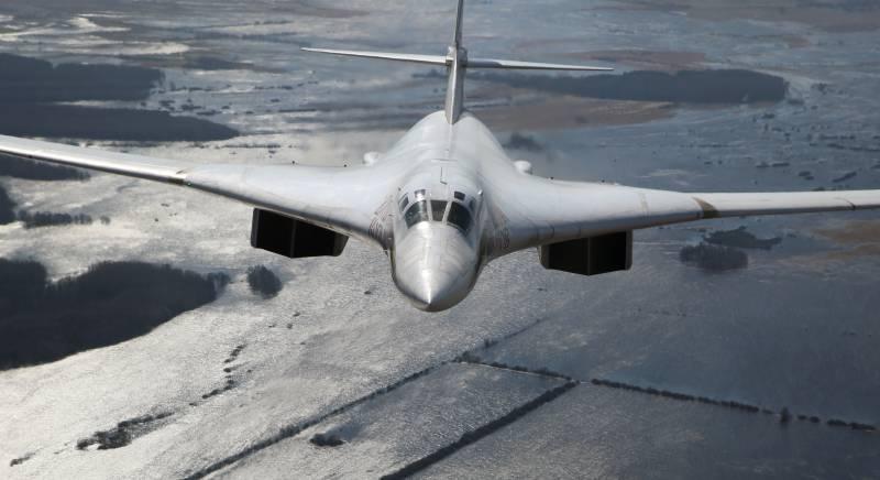 Стратегический бомбардировщик Ту-160 первый по дальности полета