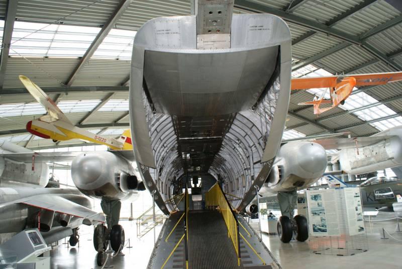 Самолёты.Dornier Do.31. Единственный в мире транспортный самолёт вертикального взлёта и посадки
