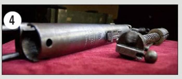Вооружение. Партизанский пистолет-пулемет разработанный конструктором-партизаном В.Н. Долгановым