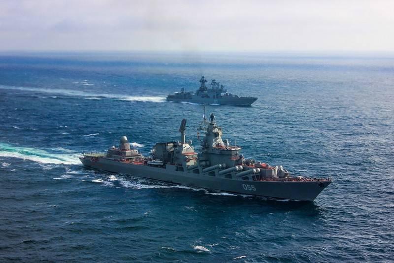 """导弹巡洋舰""""Marshal Ustinov""""和BOD""""Severomorsk""""进入地中海"""