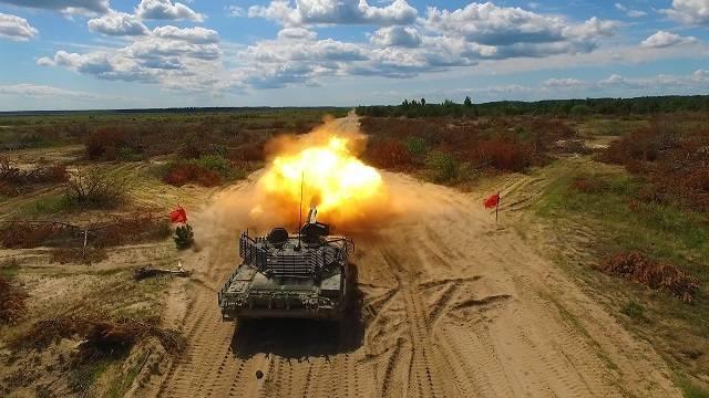 Порошенко обнародовал видео испытаний танка Т-72АМТ
