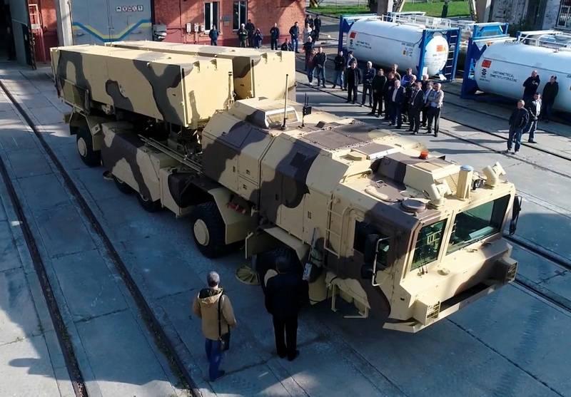 Ожидавшийся напараде вКиеве украинский ракетный комплекс оказался фейком