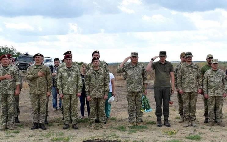 СМИ: Меркель предложила ввести на Донбасс до 40