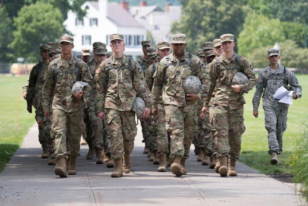 Полнометражные секс смотреть лесбиянок в американской армии члена