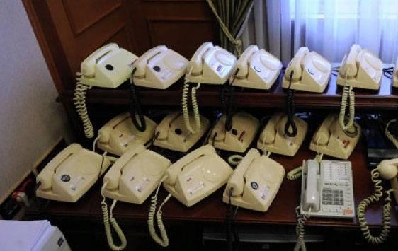 Для связи сМосквой Белый дом использует русские средства связи