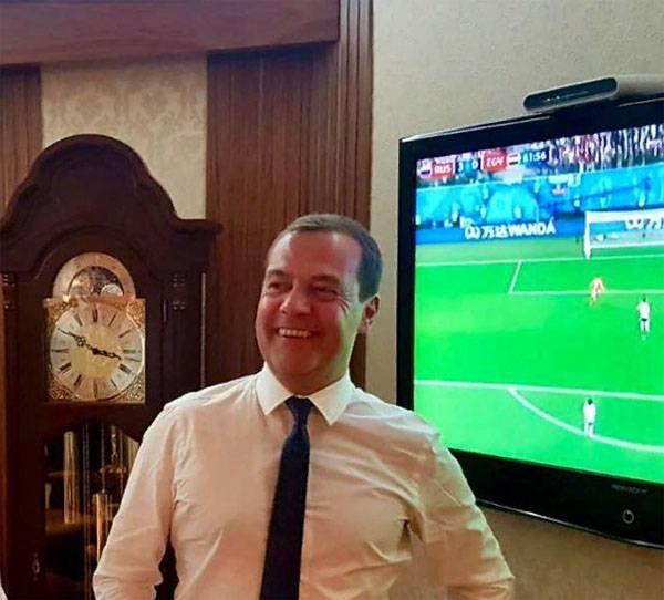 Дмитрий Медведев травмирован. Нужна замена?