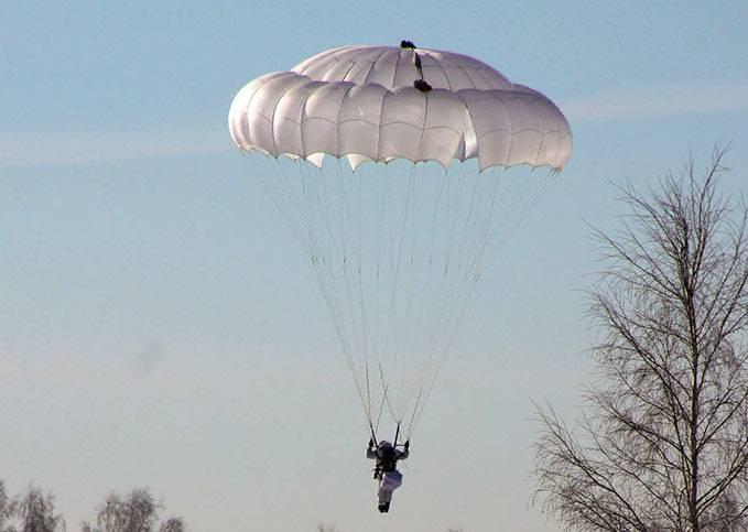 Под Владимиром во время тренировочного прыжка с парашютом погиб десантник