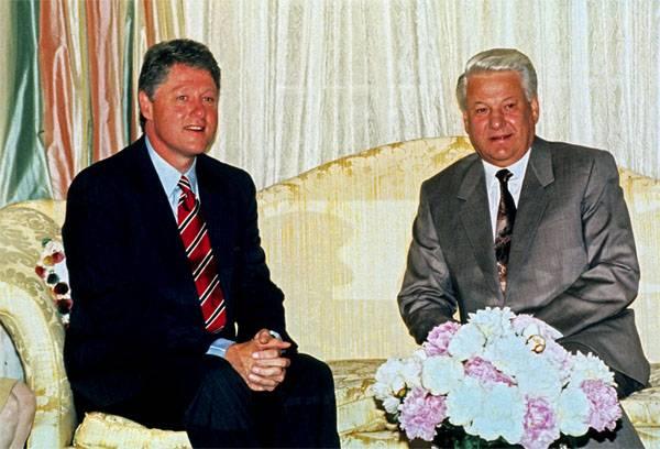 В США опубликованы материалы 1999 года о разговорах Ельцина и Клинтона о Путине