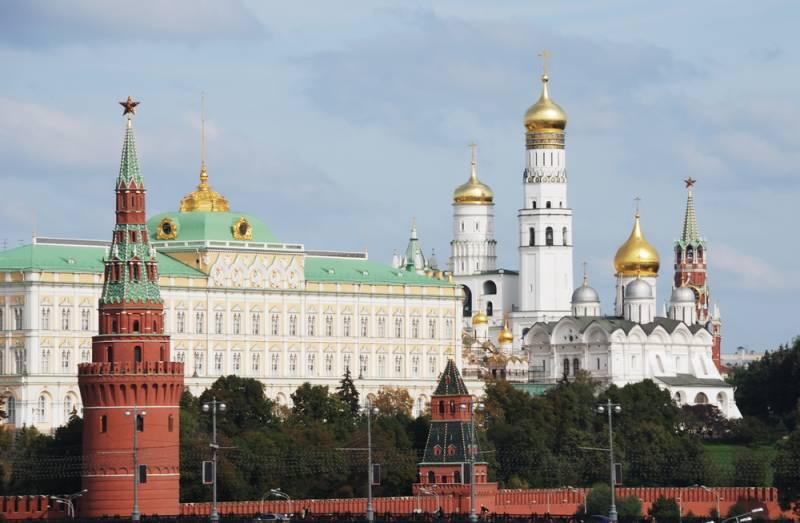 Украинский министр: В Москву потянулись украинские гонцы - кандидаты в президенты