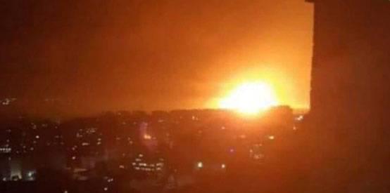 """В Сирии сообщают о причинах взрывов на авиабазе """"Меззе"""": """"Это не Израиль"""""""