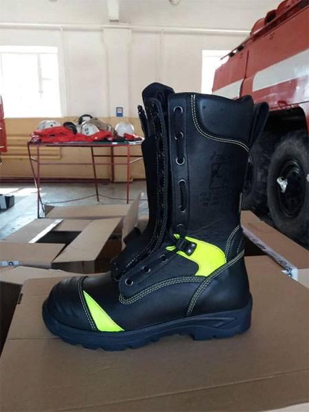 """В ВСУ для испытаний поступила огнестойкая обувь по """"секретной"""" цене"""