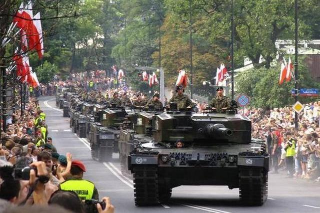 Польша формирует около Беларуси дивизию, способную воевать в мирное время