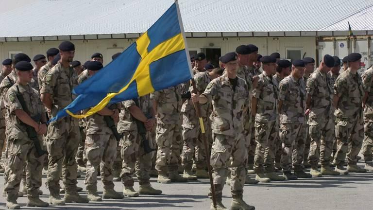 Pourquoi l'Europe renvoie-t-elle l'appel à l'armée?