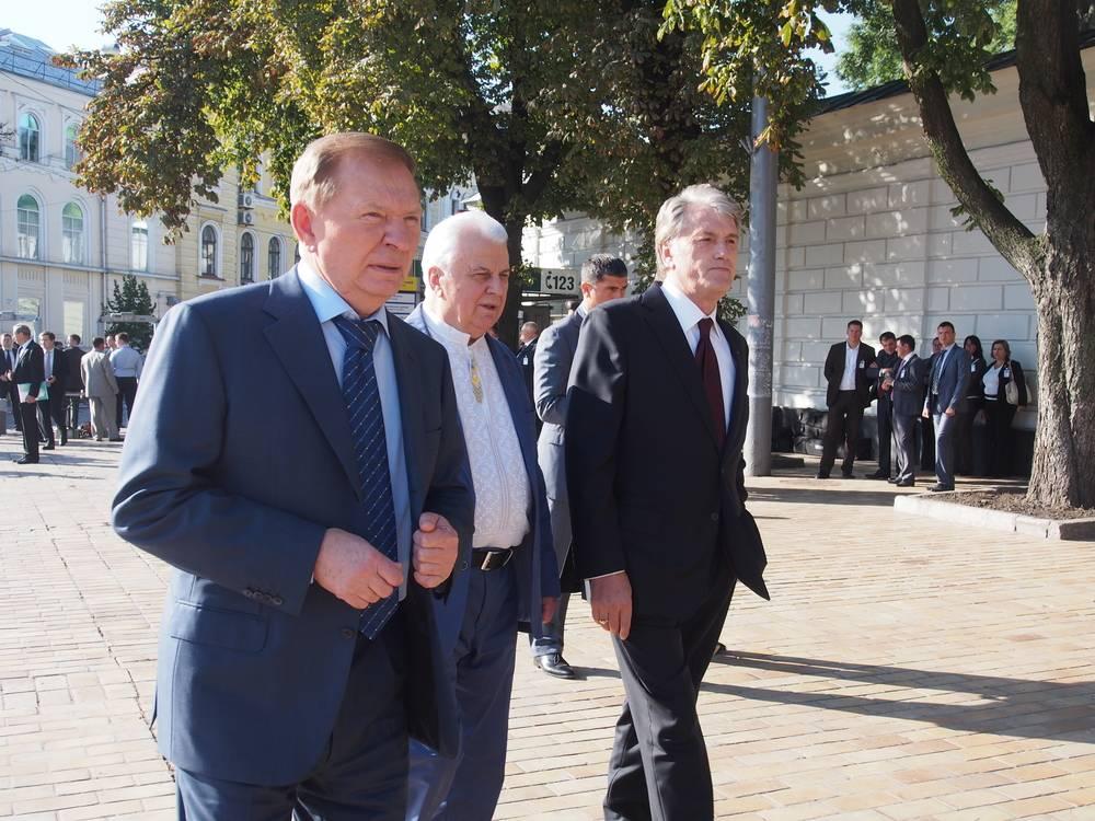 Кучма сделал резкое заявление о смене формата переговоров по Донбассу: