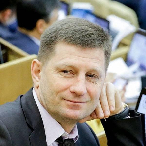 """Двойное поражение """"ЕР"""" от ЛДПР. Губернаторский """"синий пояс""""?"""