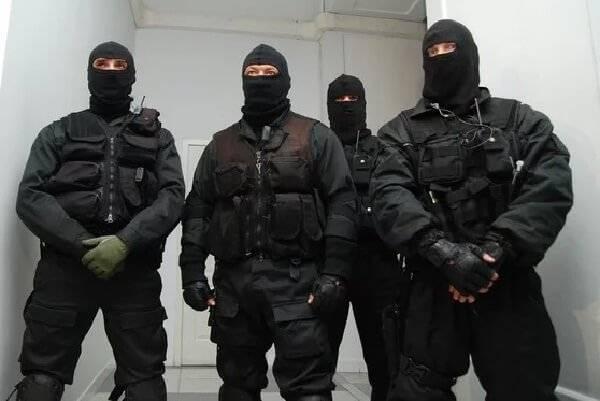 На Украине бывает всё! Знает даже идиот: тот, кто в маске, - ПАТРИОТ!