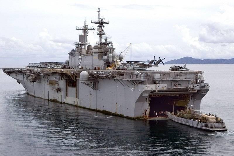 Не надо было санкции вводить. Китай закрыл порт Гонконга для корабля ВМС США