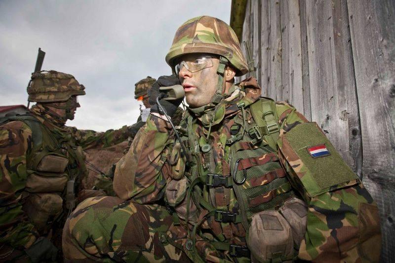 Нидерландские военные поехали на учения без зимней одежды. В Норвегию