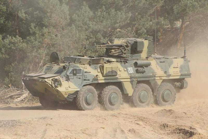 """Donbass est arrivé """"Bucephalus"""". OOS a reçu un nouveau BTR-4E ukrainien"""