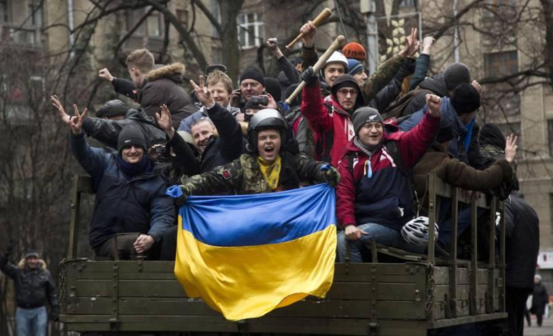 Власть на Украине будет «валяться под ногами»