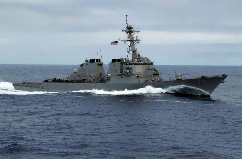 """Как корабль ВМС НОАК отгонял эсминец ВМС США """"Decatur"""" от спорных островов"""