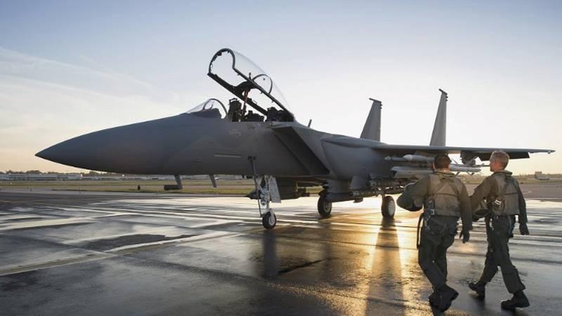 ワシは飛ぶことを学びます! F-15イーグルファイターの最後の生まれ変わり