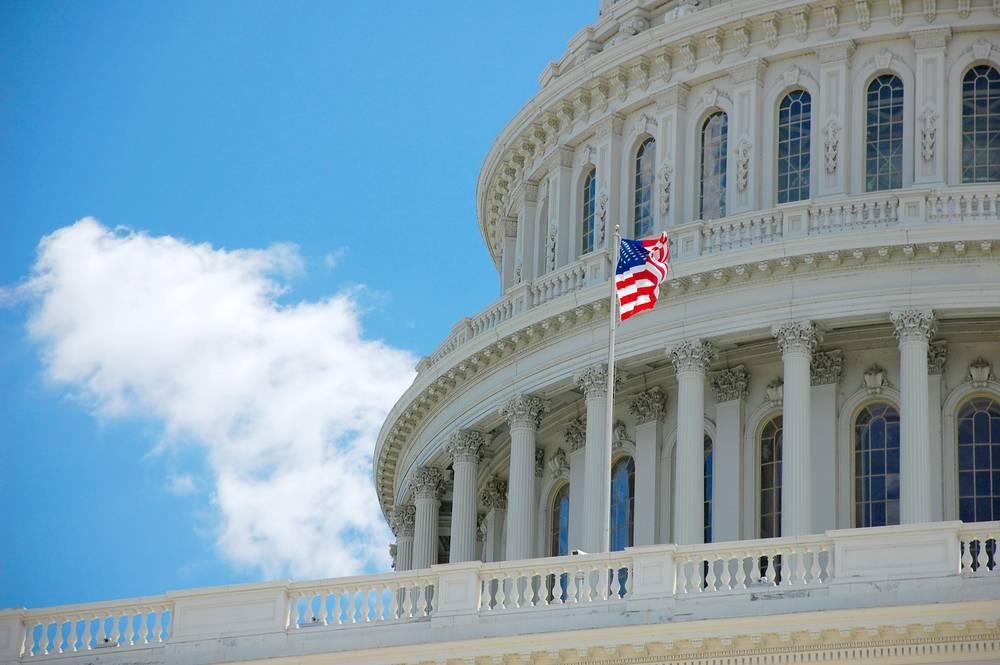 Сенаторы США предложили Европе помощь в отказе от энергоресурсов из России