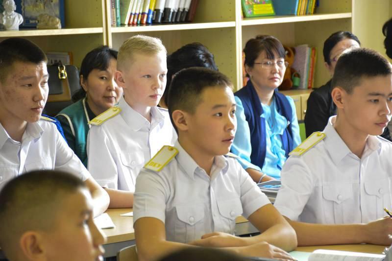 С прицелом на будущее? Кадетов в Туве начали обучать китайскому языку