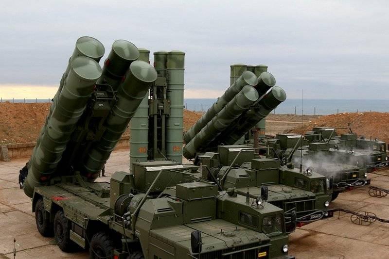 Очередной полковой комплект ЗРС С-400 «Триумф» передан МинобороныРФ