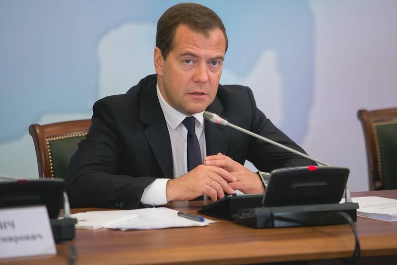 Медведев: Санкции вводим против тех, кто вредит России