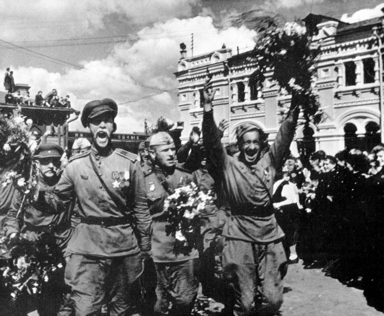 Аксенов назвал имена «настоящих национальных  героев» Украинского государства