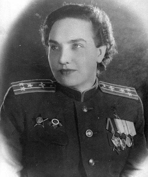 Наши первые женщины — герои Советского Союза
