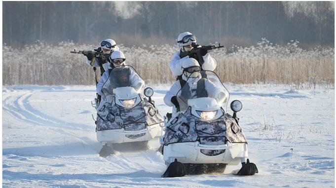 Путь в Арктику: Новейший арктический снегоход и зимняя экипировка для ВС РФ