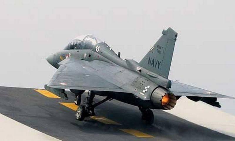 Индия отказывается от отечественного палубного истребителя Tejas